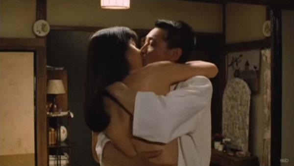 山口智子の乳首ヌード画像10