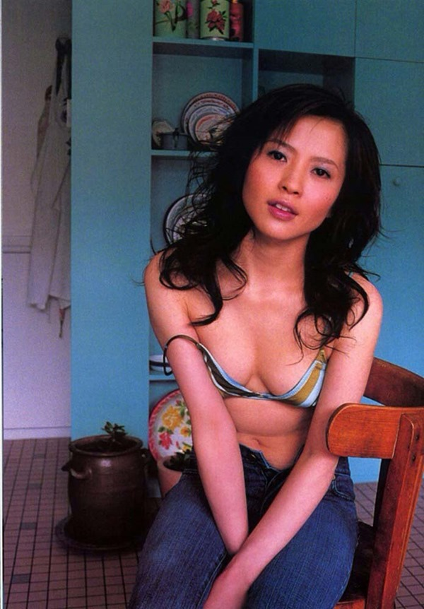 三浦理恵子の乳首見えヌード画像10