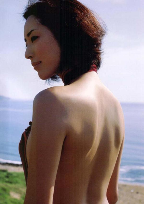 木村多江のセミヌード全裸入浴画像10