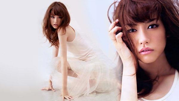 桐谷美玲のセミヌード乳首見え画像10