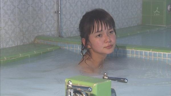多部未華子の入浴シーンお色気エロキャプ画像10