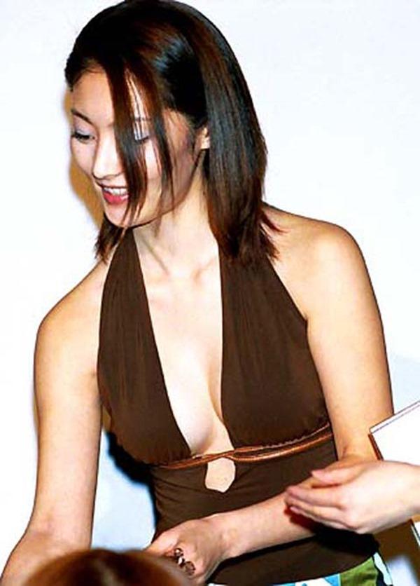 常盤貴子の濡れ場から乳揉み上半身裸トップレス画像10
