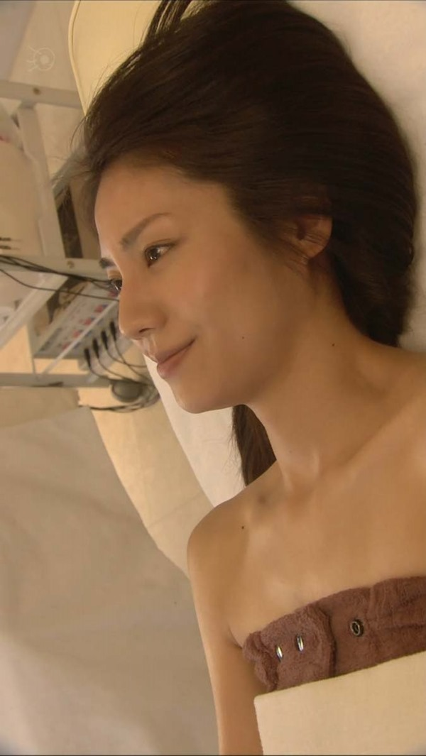松下奈緒の全裸入浴ヌード画像11