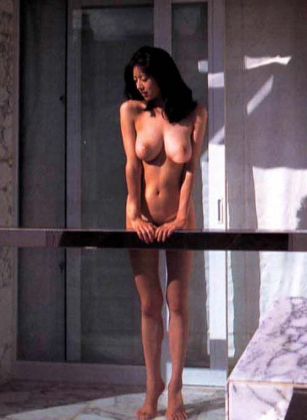 高岡早紀の巨乳おっぱい乳首ヌード画像11