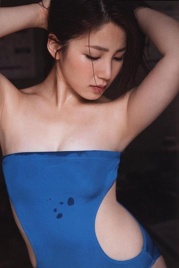 吉川友の美人セクシー画像12