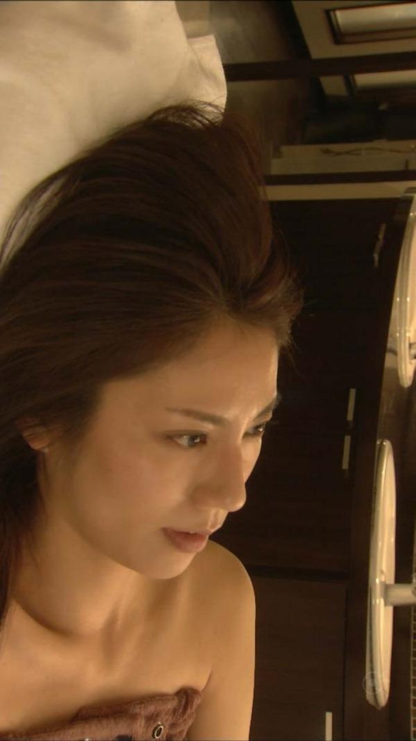 松下奈緒の全裸入浴ヌード画像12