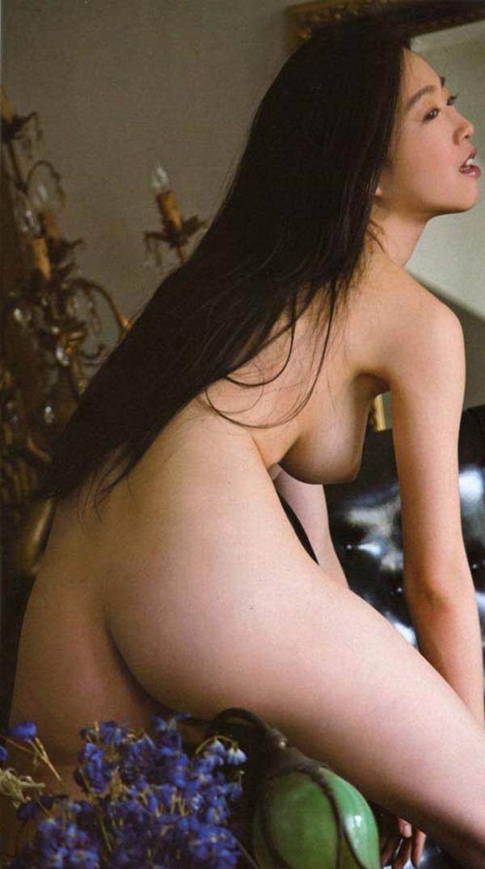 佐々木心音の乳首見え巨乳おっぱい全裸ヌード画像12