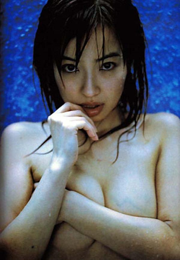 平子理沙の乳首出し手ブラ画像12