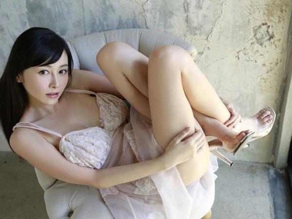 杉原杏璃のエッろい巨乳おっぱいグラビア水着画像12