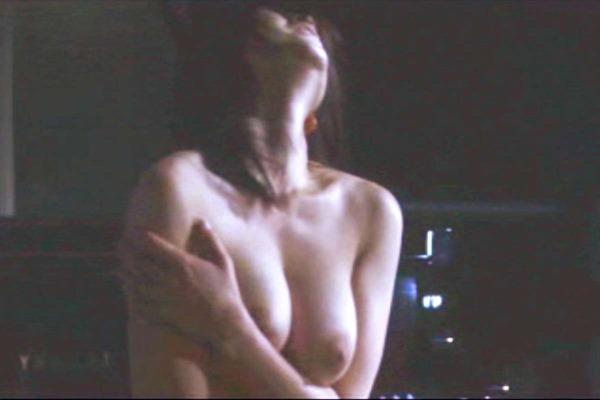 真木よう子の乳首見えヌード画像13