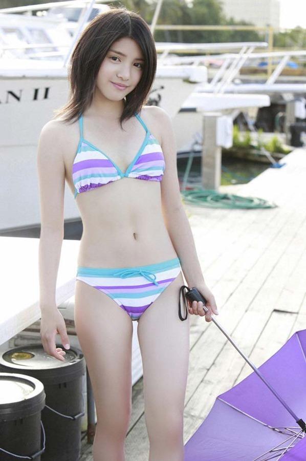 川島海荷のセクシーな胸の水着画像13
