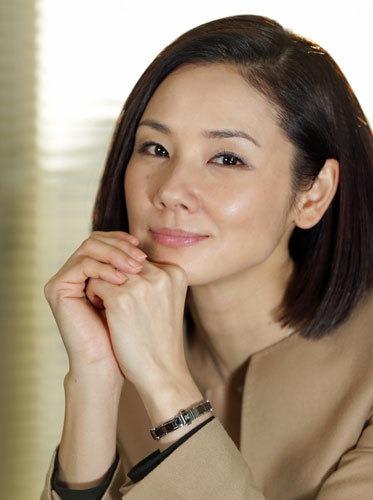 (吉田羊ハミ乳キャプ)アラフォー映画ドラマ女優の人妻の美しい乳お乳ハミ乳写真ムービー