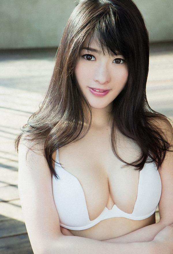 仮面女子の神谷えりな巨乳画像14