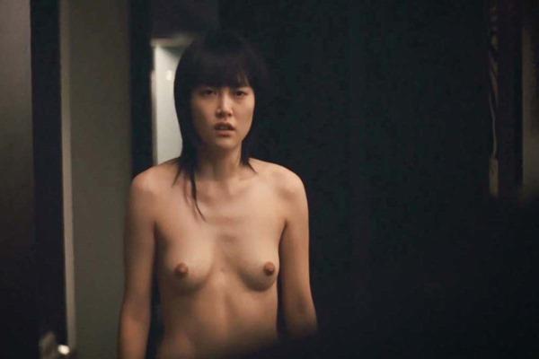 菊地凛子の乳首丸見えおっぱいヌード画像14