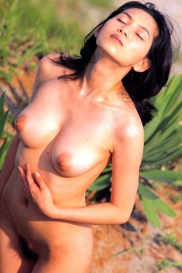 さとう珠緒の乳首ヘアヌード巨乳画像14