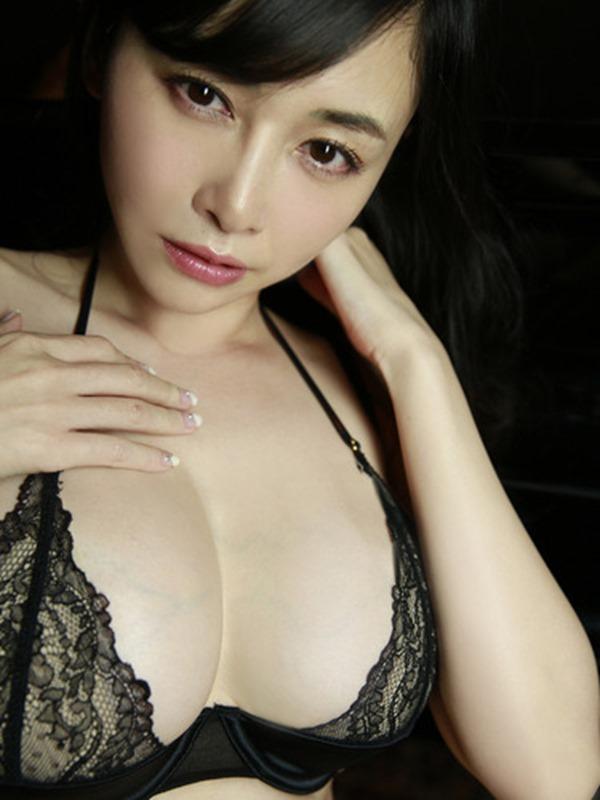 杉原杏璃のエッろい巨乳おっぱいグラビア水着画像14
