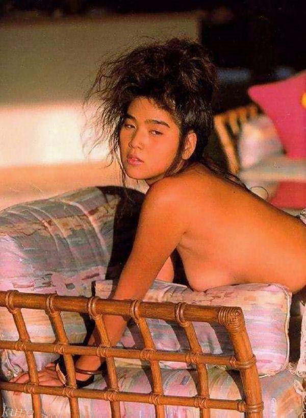 飯島直子の乳首ヌード画像15