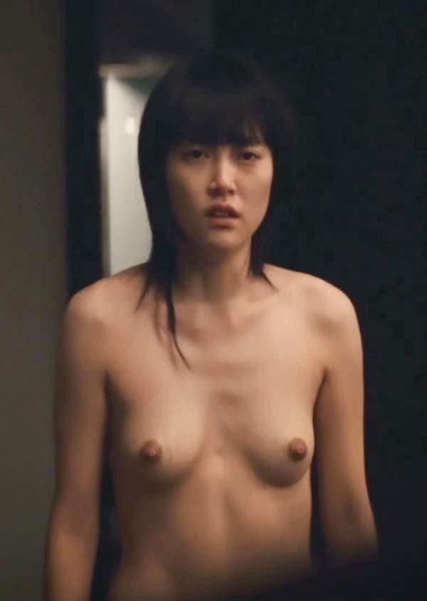 菊地凛子の乳首丸見えおっぱいヌード画像15