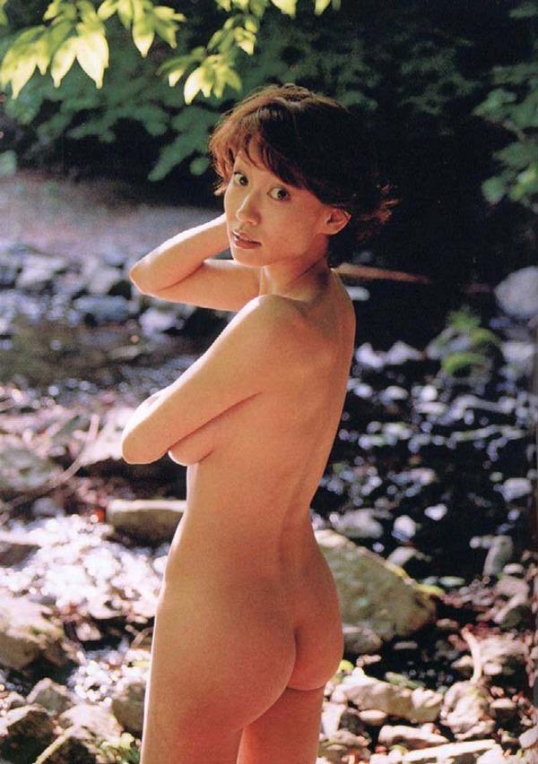 細川ふみえの乳首見え巨乳おっぱいヘアヌード画像15