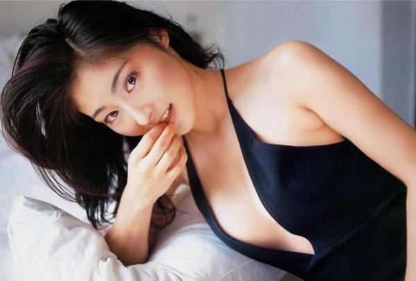 常盤貴子の濡れ場から乳揉み上半身裸トップレス画像15