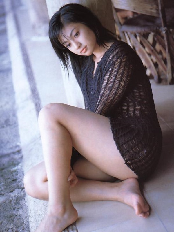 深田恭子のムッチムチな巨乳グラビア水着画像15