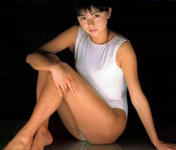 山口智子の乳首ヌード画像16