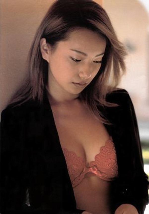 三船美佳の乳首ヌード画像16