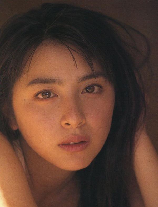 奥菜恵の美乳ヌード画像16