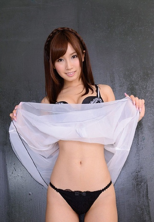 小島みなみ・まん毛画像17