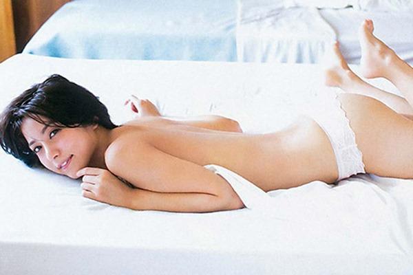 石川恋が温泉で全裸入浴画像17