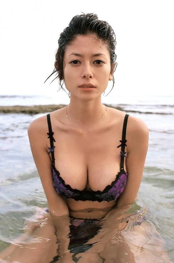 真木よう子の乳首見えヌード画像17