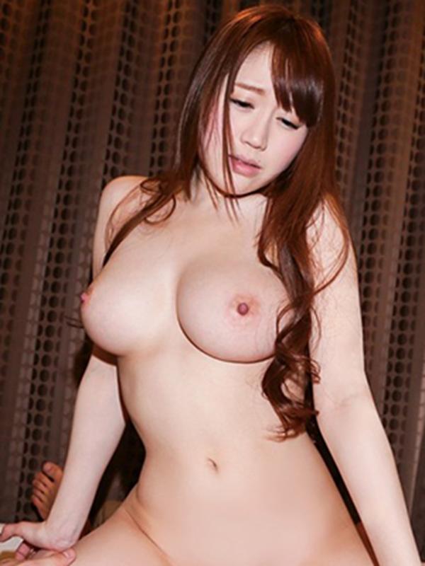 木南日菜の爆乳おっぱい画像17