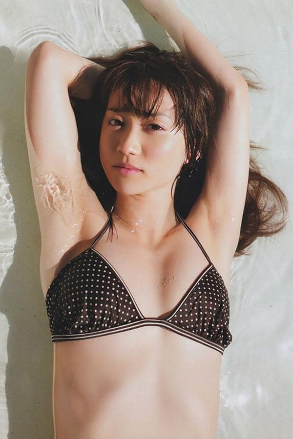 大島優子のむっちむちなエロボディ画像17