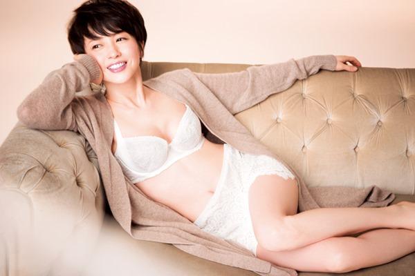三浦理恵子の乳首見えヌード画像18