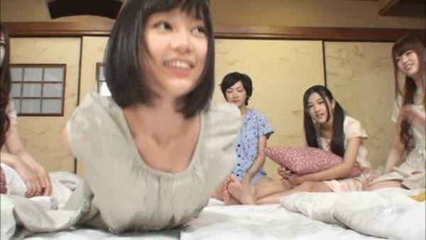 乃木坂の白石麻衣ちゃん乳首1