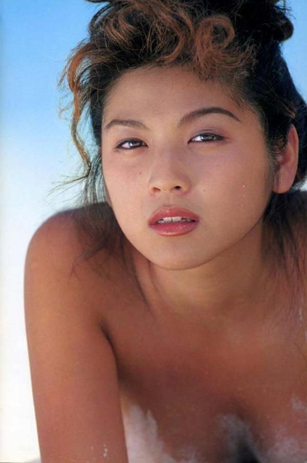 飯島直子の乳首ヌード画像1