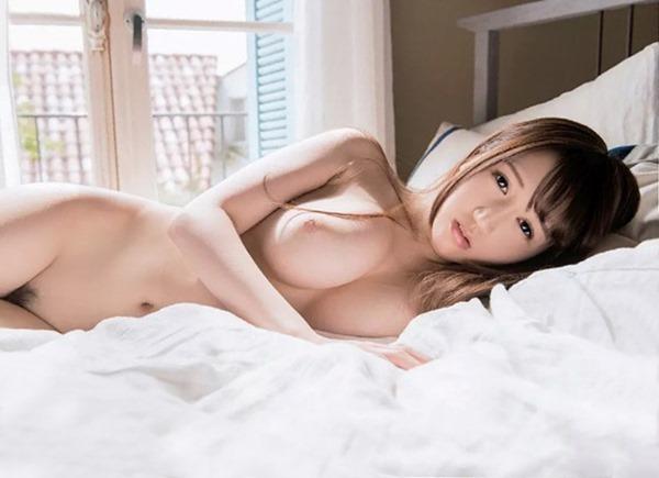 木南日菜の爆乳おっぱい画像1
