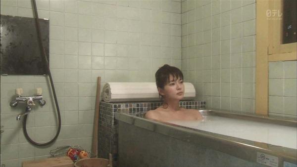 多部未華子の入浴シーンお色気エロキャプ画像1