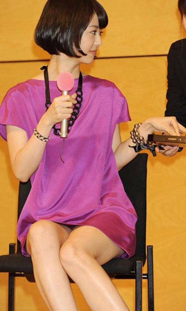 夏目三久アナの乳首見えパンチラ画像1