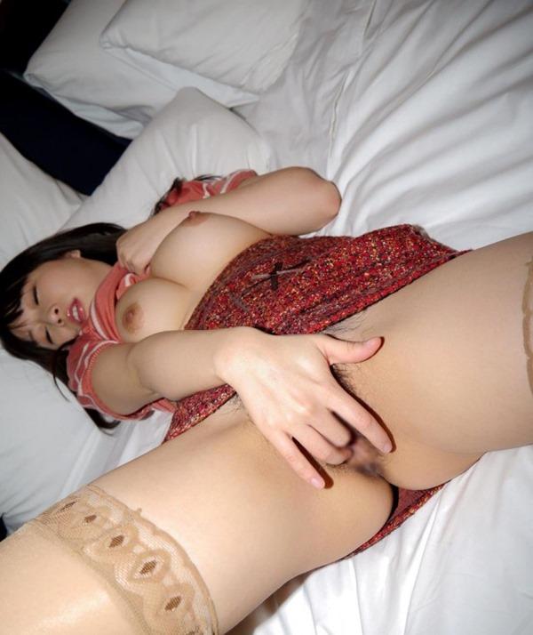 スケベ女性の指入れオナニー画像1