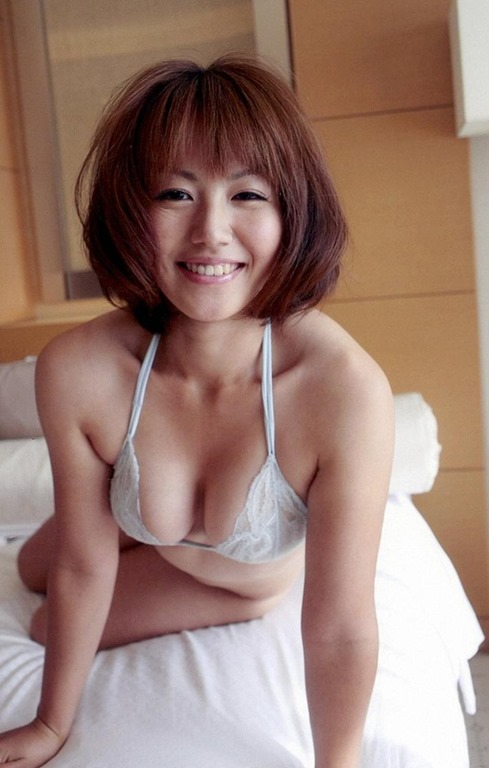 【磯山さやか】ぷにモデルの巨乳おっぱいヘアヌードアイコラ画像がオカズ化