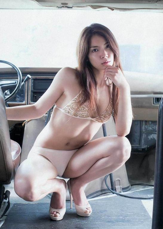 【秋元才加の太ももハミ乳くびれ腰グラビア水着画像】~NHK『嫌な女』出演!