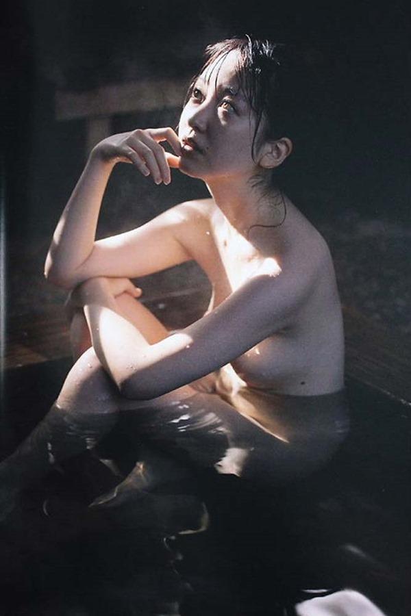 黒川智花の全裸入浴おっぱい丸見えヌード画像2