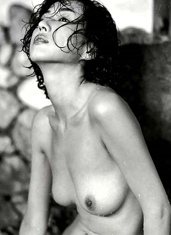 鈴木保奈美の乳首見え美乳おっぱい画像2