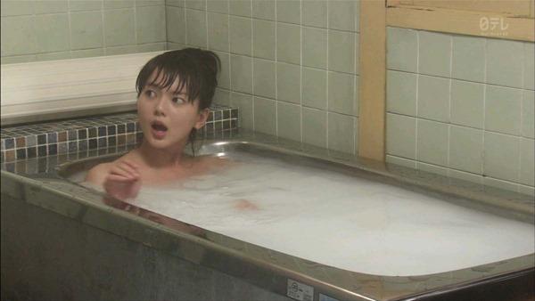 多部未華子の入浴シーンお色気エロキャプ画像2