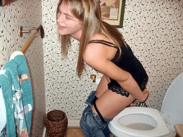 外人がトイレしてる姿の写真撮影エロ画像2