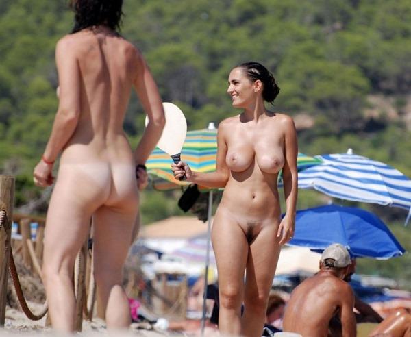 海外のヌーディストビーチ2