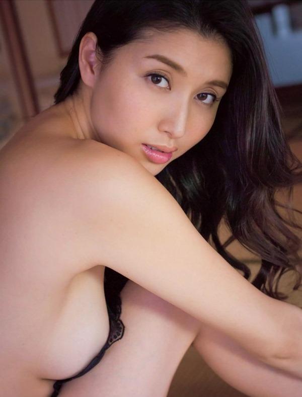 橋本マナミのフェラ顔3