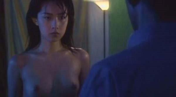 尾野真千子の乳首おっぱい画像3