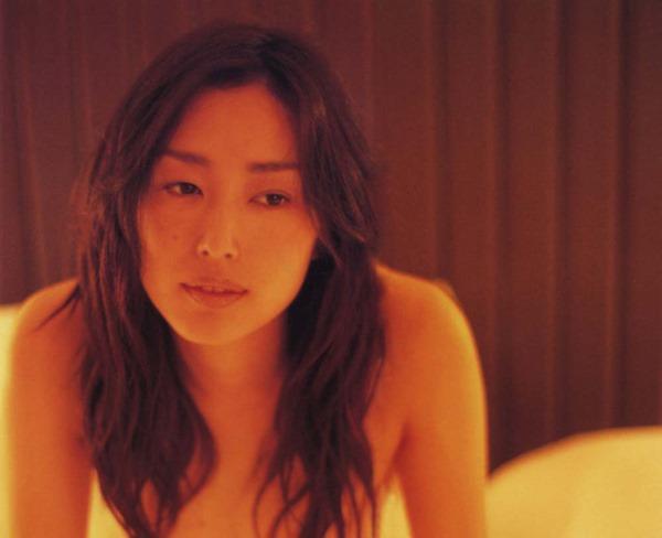 木村多江のセミヌード全裸入浴画像3